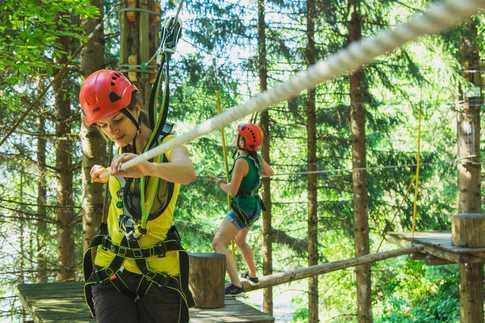 Kletterausrüstung Vorarlberg : Waldseilpark golm im montafon vorarlbergs größter klettergarten